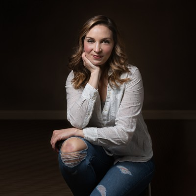 Megan Arndt Headshot-01
